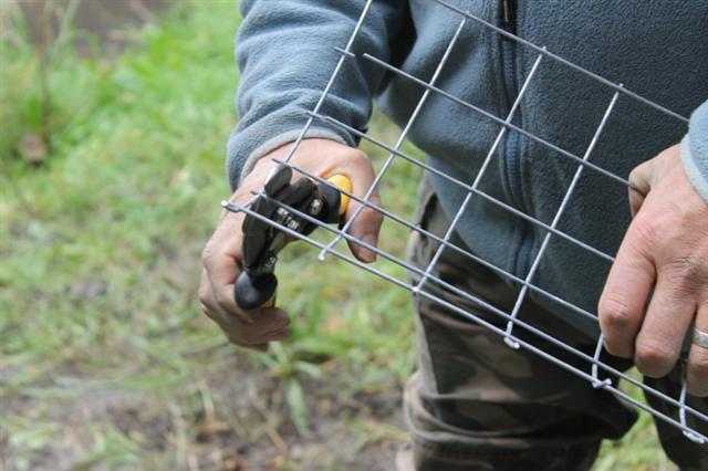 12. Making galvanised wire mesh fox proofed hole plugs